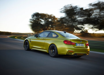 bmw-m4-coupe-rear-1024x768-360x260